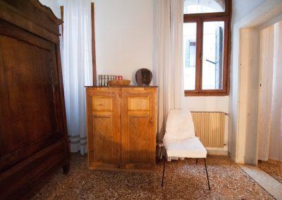 CASA TRECENTO The bedroom (details)