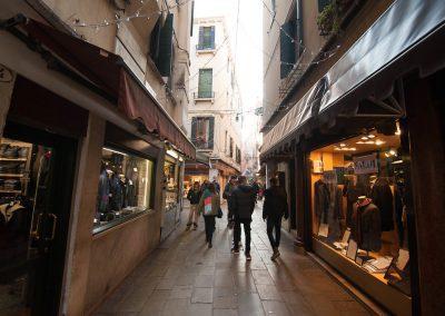 CASA TRECENTO, Ruga Rialto round the corner
