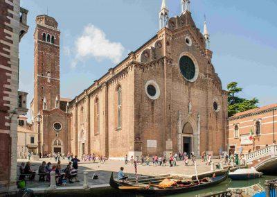 CASA TRECENTO, The Frari Church at 3 minute walk
