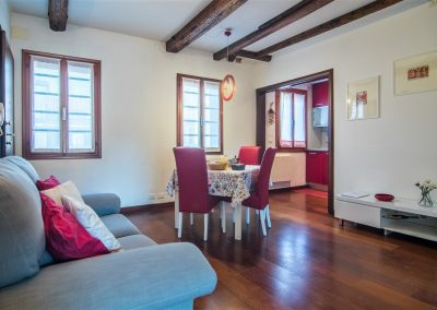 Bianco 4: living room