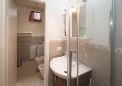 COSY NEST APARTMENT, the bathroom