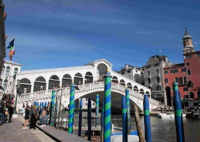 RIALTO BRIDGE, 3 minute walk