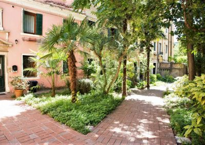 GIARDINO SEGRETO APARTMENT, the garden downstairs