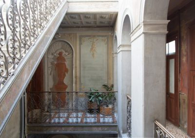 GIARDINO SEGRETO APARTMENT, the staircase of the building