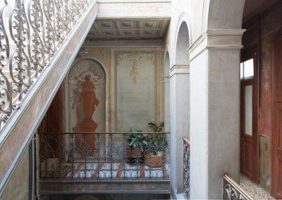 GIARDINO SEGRETO APARTMENT, the staircase of the building