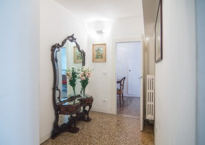 CA' LINA APARTMENT, the corridor to the living room