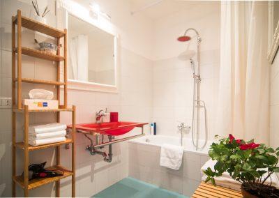 CA' LINA APARTMENT, details of the bathroom