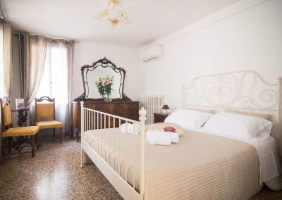 CA' LINA APARTMENT, the double bedroom